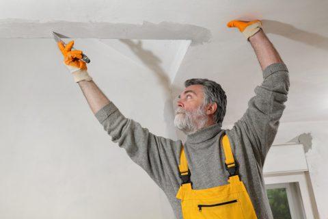 Pourquoi faire appel à un plâtrier pour son plafond ?