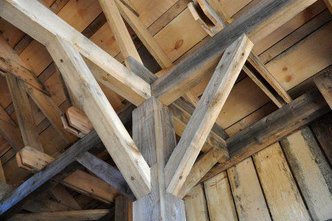 Les caractéristiques du plafond rampant