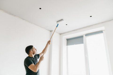 Peut-on mettre du papier peint au plafond ?